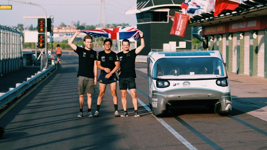 Drivers of solar car, Helia